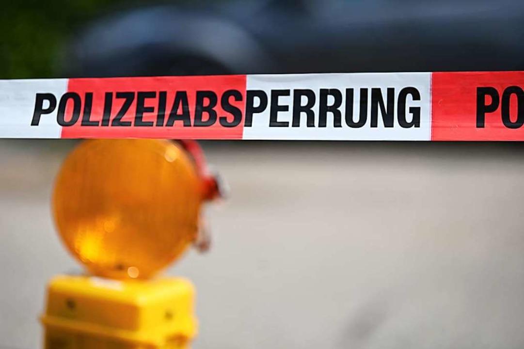In einer Rechtskurve im Schweizer Murg...noch an der Unfallstelle. (Symbolfoto)  | Foto: Jonas Hirt