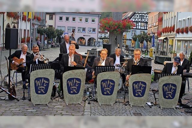 Muntere Melodien am Marienbrunnen