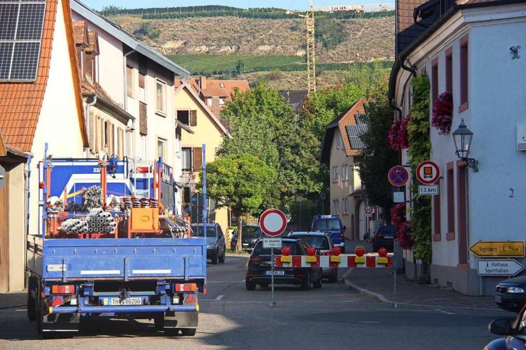 Bereits an der Ampelkreuzung im Bötzin...ße für den Durchgangsverkehr gesperrt.  | Foto: Horst David