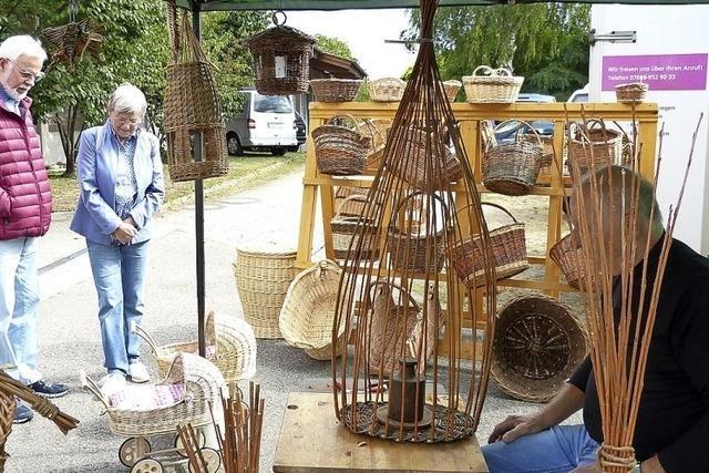 Wasenweiler Töpfermarkt erneut ein Besuchermagnet