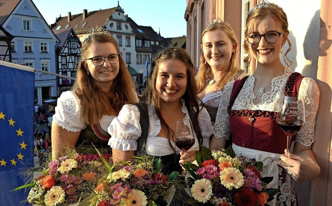 Nach der Krönung der neuen Gengenbache...Mussler,  Sara Vollmer und  Lea Haas.   | Foto: suwa