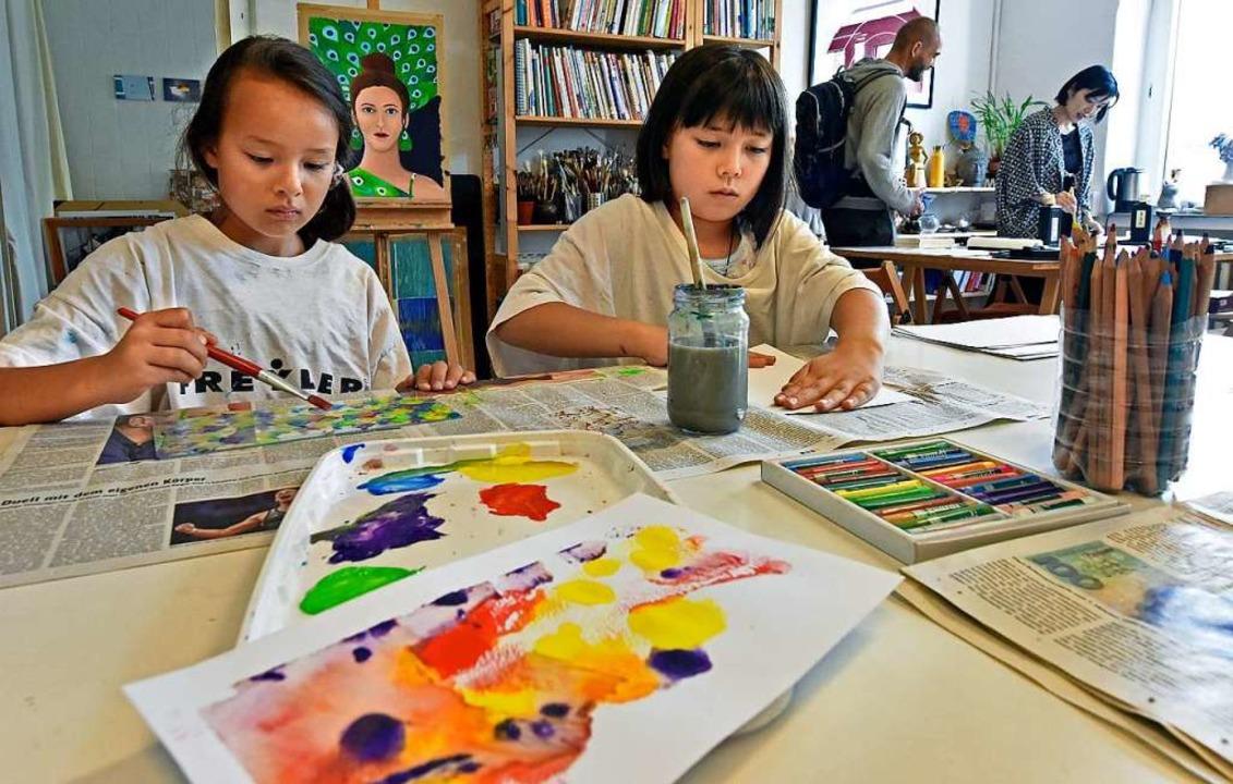 Im Atelier  La Luna konnten Besucherin...eden Alters künstlerisch tätig werden.  | Foto: Michael Bamberger