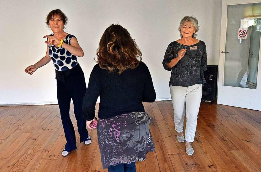 In der Tanzschule Vividanza gönnten Vi...entin Estelle Peter eine Einzelstunde.  | Foto: Michael Bamberger
