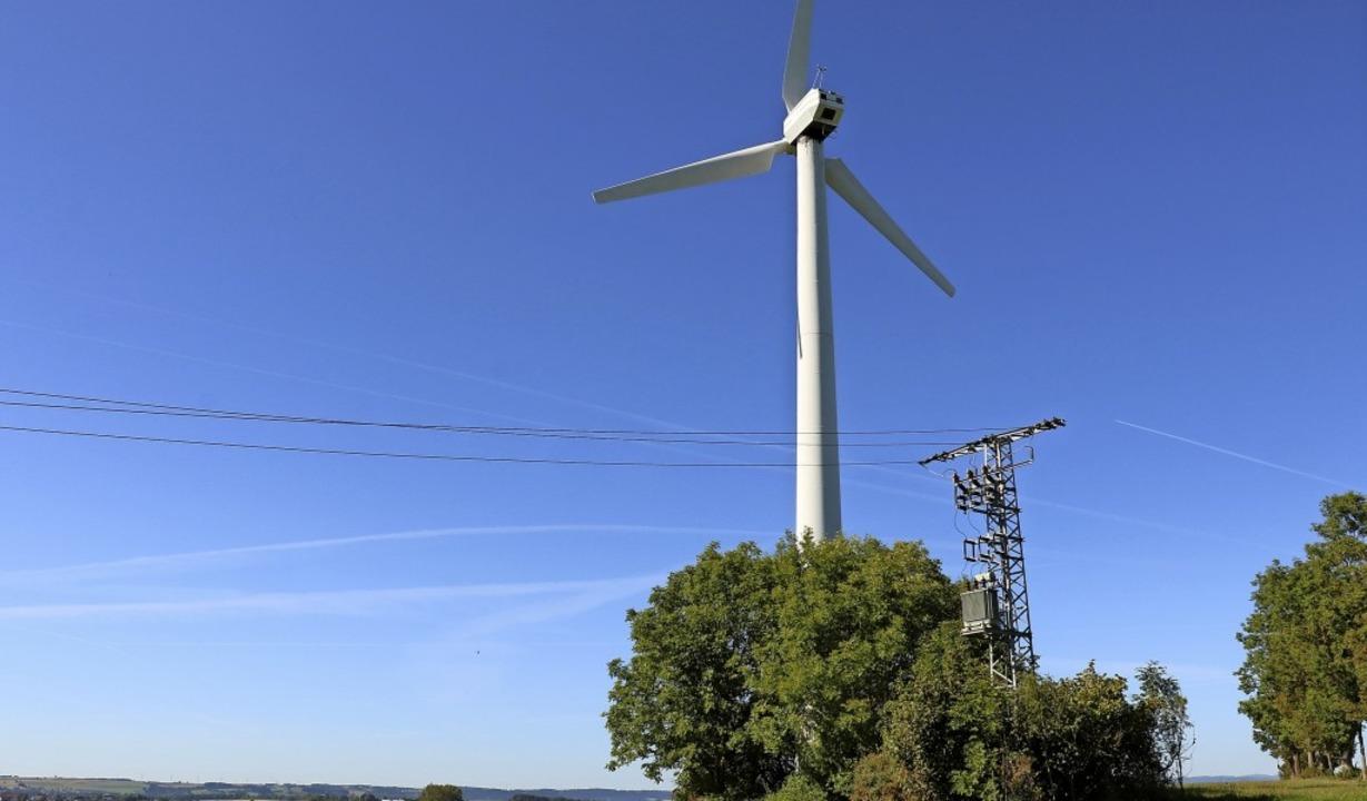 Seit 1990 steht das Windrad auf dem Au... Pionieren  für  erneuerbare Energie.   | Foto:  Wursthorn, Jens