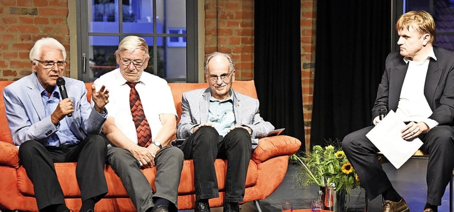 Hansjörg Seeh, Peter Dreßen und Jochen...100 Jahre AWO-Geschichte geschrieben.   | Foto: Markus Zimmermann