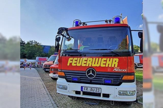 Fahrten mit dem Feuerwehrauto sind begehrt