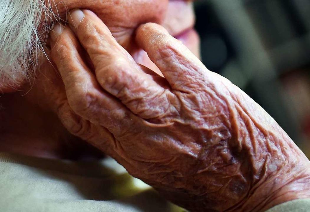 Mit steigendem Alter wächst die Wahrsc...ichkeit einer demenziellen Erkrankung.  | Foto: Britta Pedersen