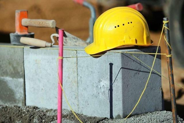 Verfahren gegen Handwerker wegen Vorenthaltens von Arbeitslohn wird vorläufig eingestellt