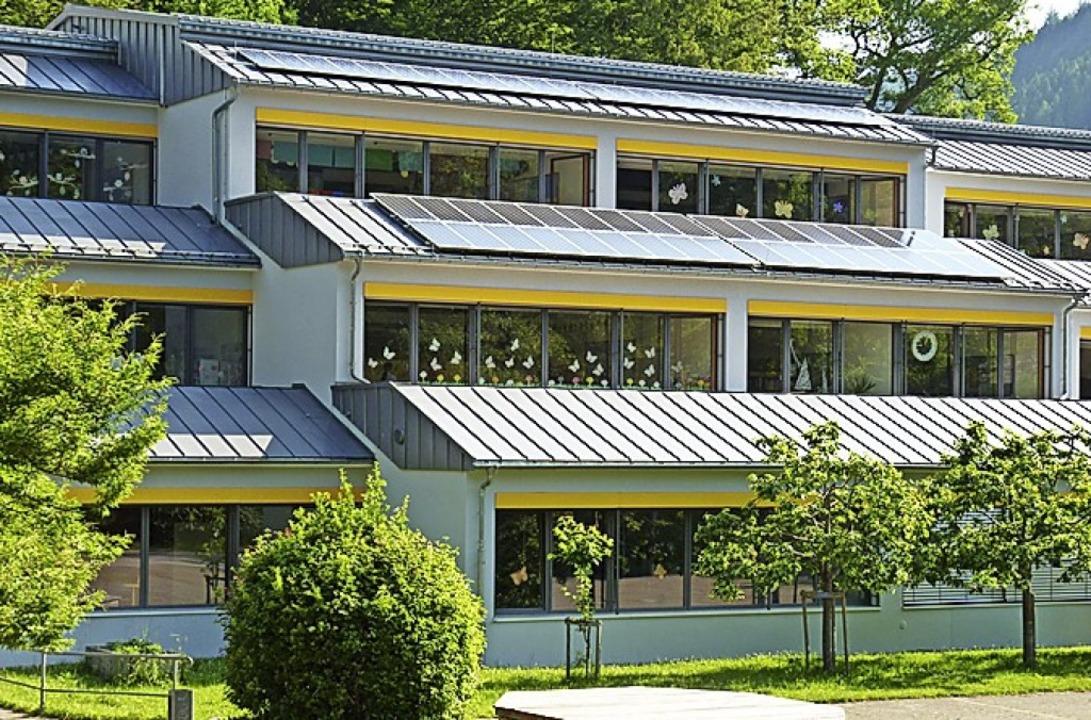 Von Wembach zur Buchenbrandschule in S...über ein Kilometer  entlang der B 317.  | Foto: Sattelberger