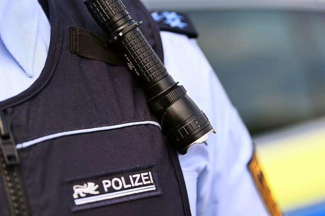 78-jähriger Autofahrer soll in Lörrach eine Frau mit ihrem Kind gefährdet haben