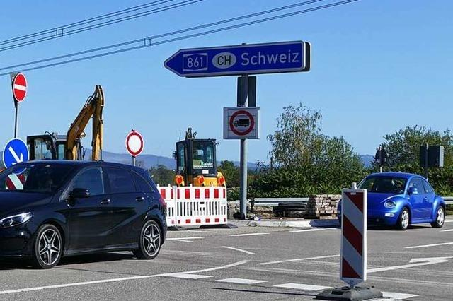 Autofahrer ignorieren Umleitung und wollen auf A861 fahren