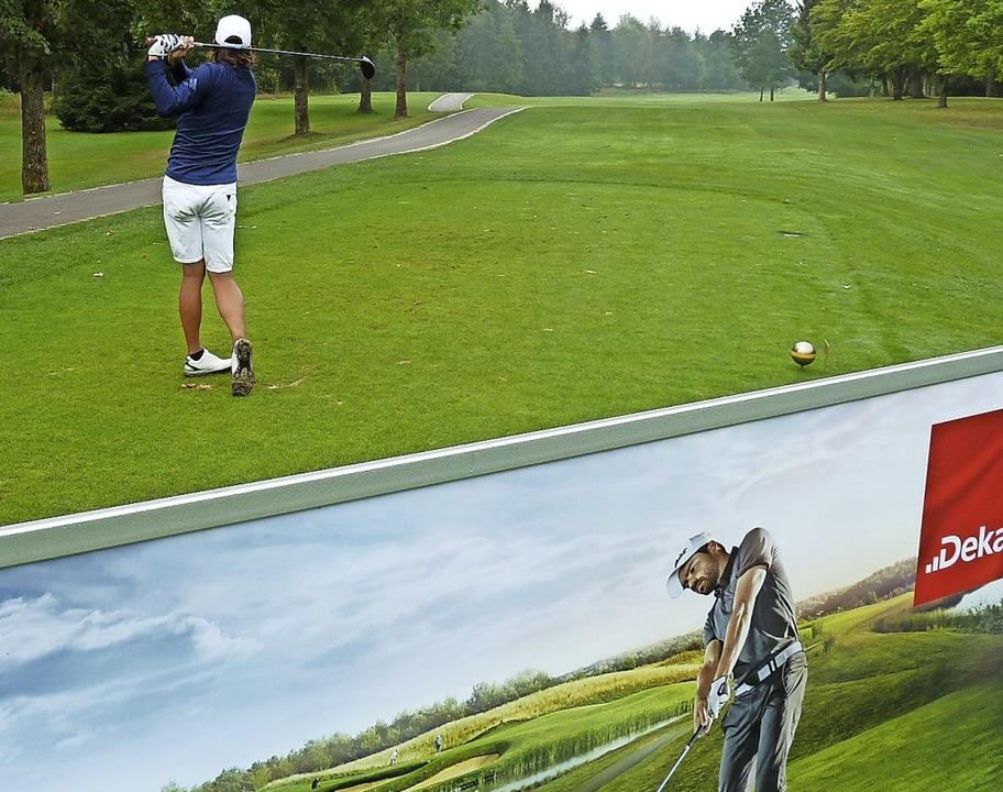 Longhitter Steffen Richter startete al... am Golfplatz Öschberghof freie Bahn.   | Foto: Heidrun Simoneit