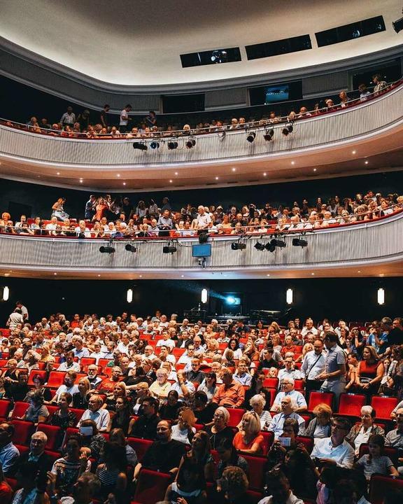 Das Stadttheater Freiburg während der Benefizgala.    Foto: Veranstalter