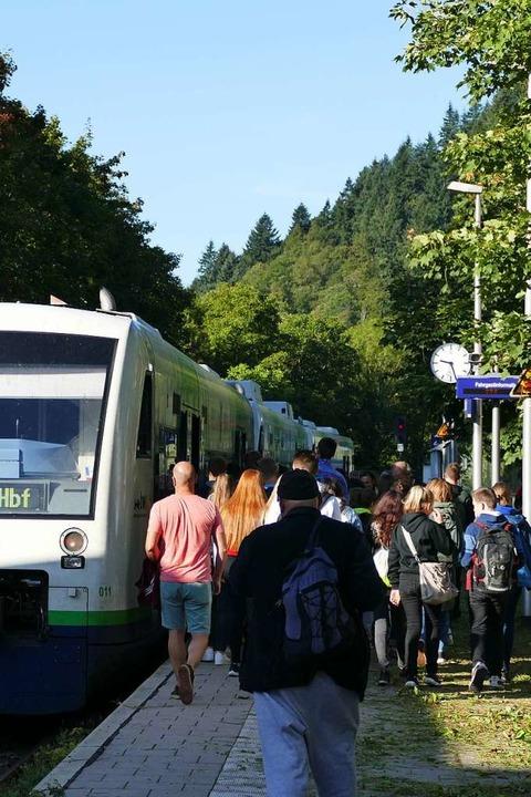 Auch mit der S-Bahn fuhren etliche Demonstranten nach Waldkirch  | Foto: Sylvia Sredniawa