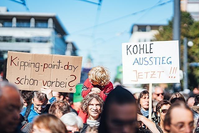 Fotos: Bunt, laut und kritisch - der Klimastreik in Freiburg