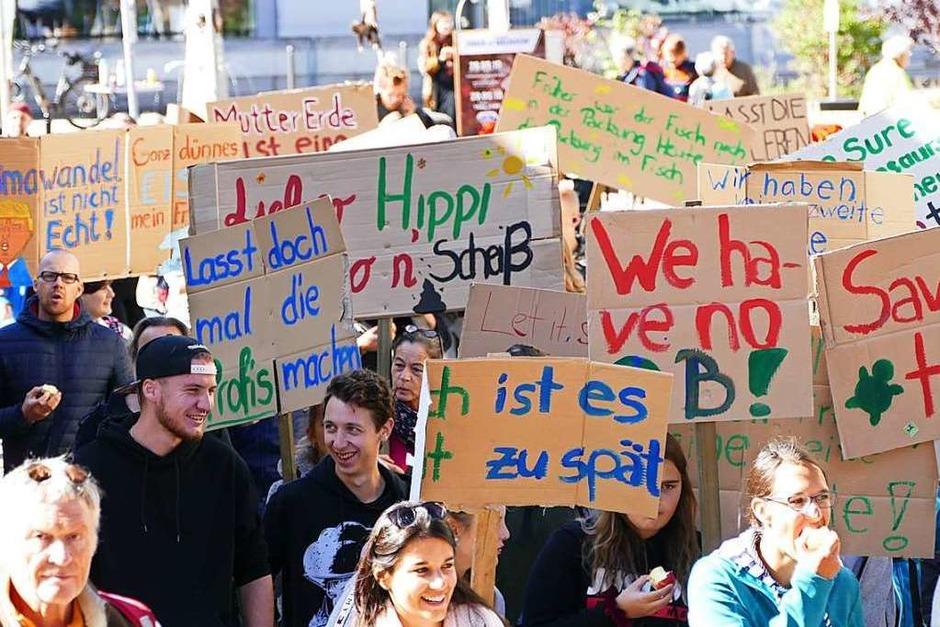 Marsch für die Klimawende durch Neustadts Innenstadt (Foto: Tanja Bury)