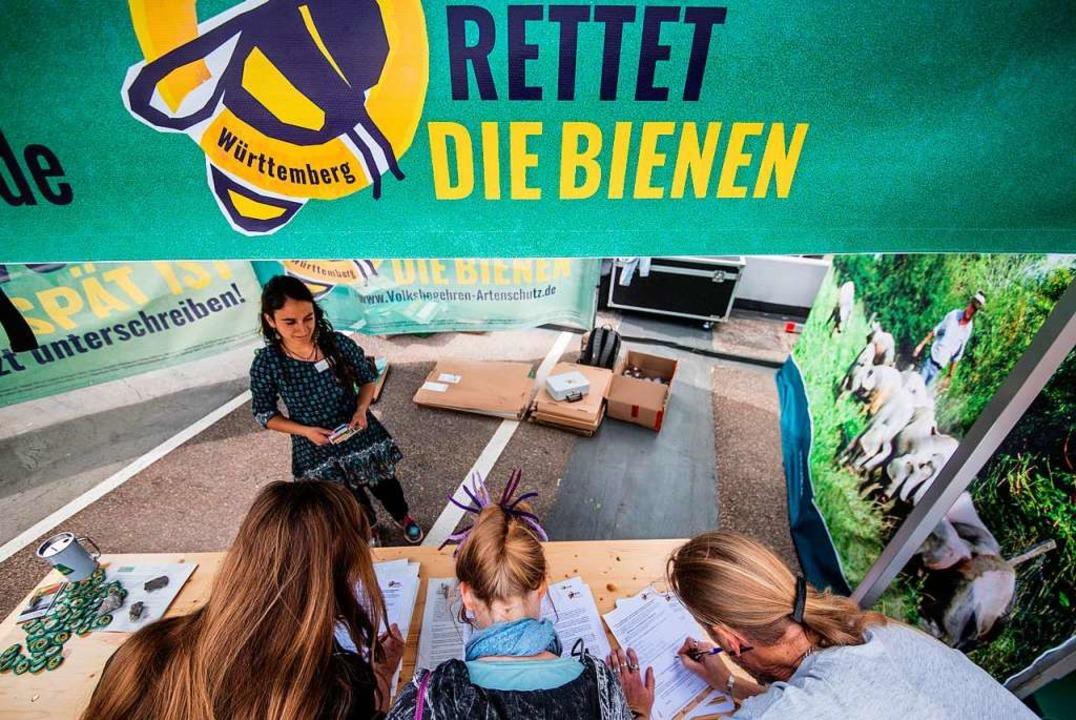 Für das Volksbegehren werden derzeit Unterschriften gesammelt.  | Foto: Christoph Schmidt