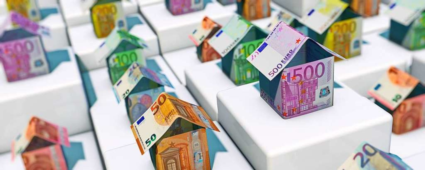 Beim Hauskauf kommen ordentliche Summen zusammen.  | Foto: bluedesign - stock.adobe.com