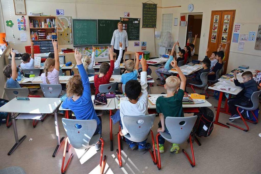 Mit Eifer bei der Sache: Die Weiler Gr...gen wegen Unterrichtsausfällen machen.  | Foto: Hannes Lauber