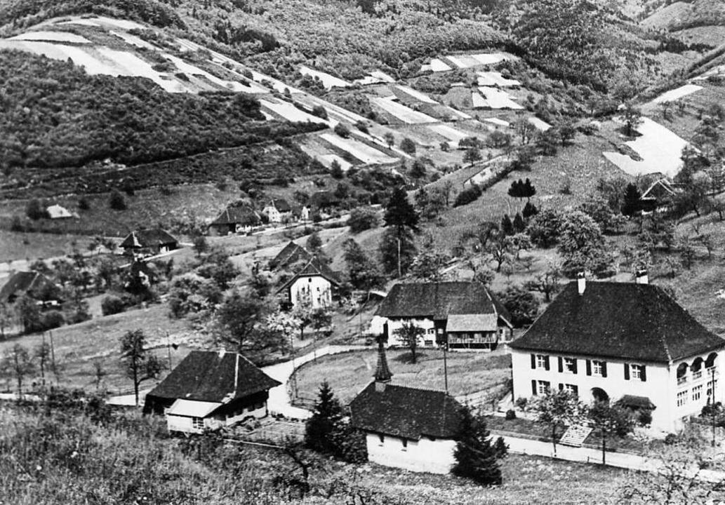 Rotenbuck vor 100 Jahren mit (von rech...ef Gutmann mit Fotolabor (vorn links).  | Foto: Manfred Lange
