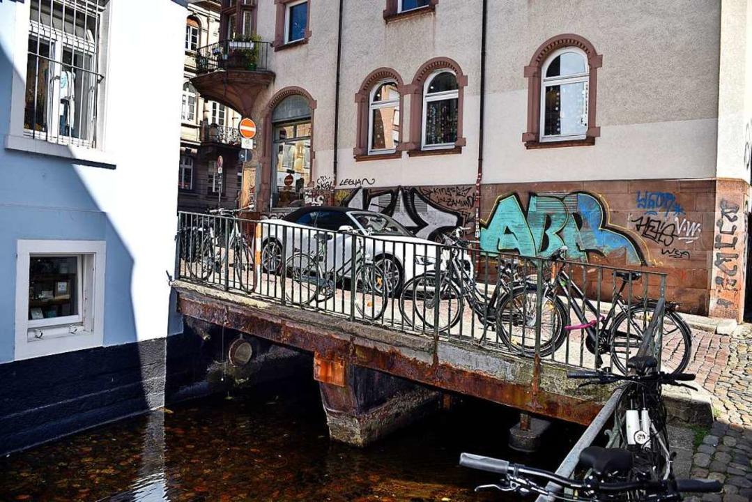 Die Brücke in der Gerberau soll für kn...ine halbe Million Euro saniert werden.    Foto: Thomas Kunz