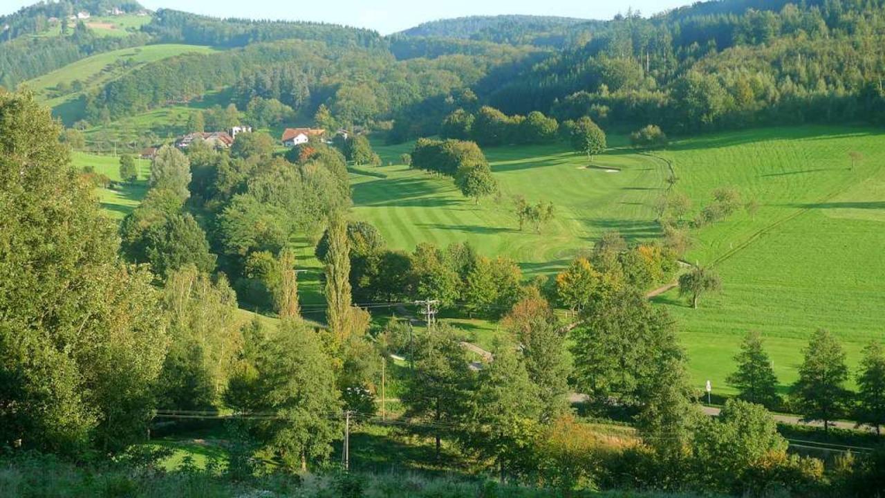 Der Golfplatz im Greutertal muss in Teilen umgestaltet werden.    Foto: Wolfram Köhli