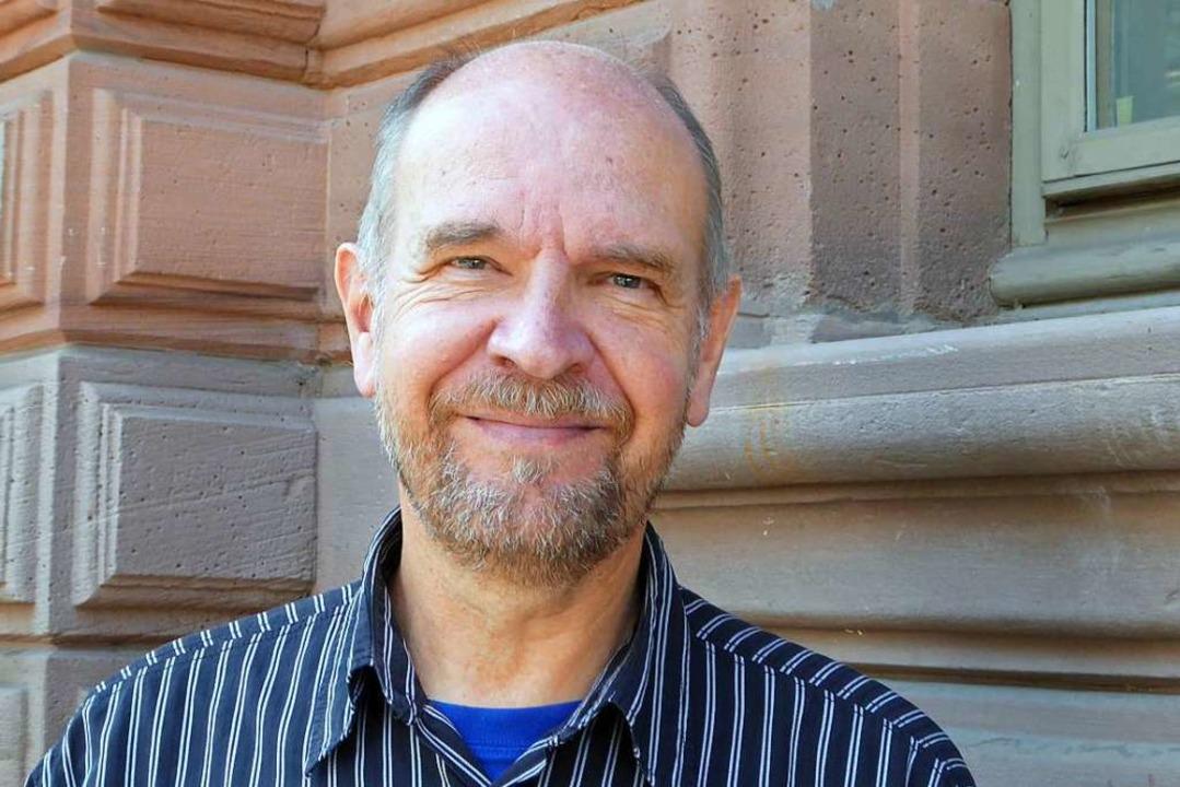 Axel Rulf leitet seit 1992 die Volkshochschule Lörrach.  | Foto: Sabine Ehrentreich
