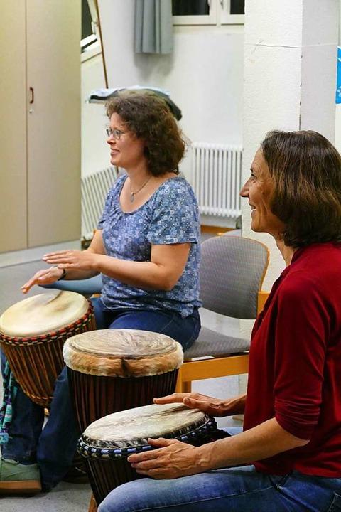 Afrika-Trommelkurs der Dozentin Christine Mutter in Rheinfelden  | Foto: Anna Uhlmann