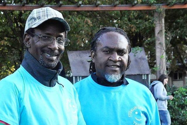Zwei Ehrenamtliche sollen Konflikte auf dem Stühlinger Kirchplatz reduzieren