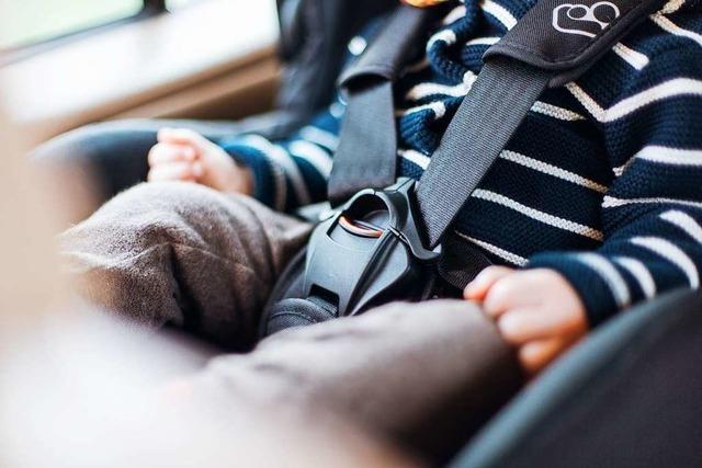Müllheimer Feuerwehr befreit Baby aus verschlossenem Auto
