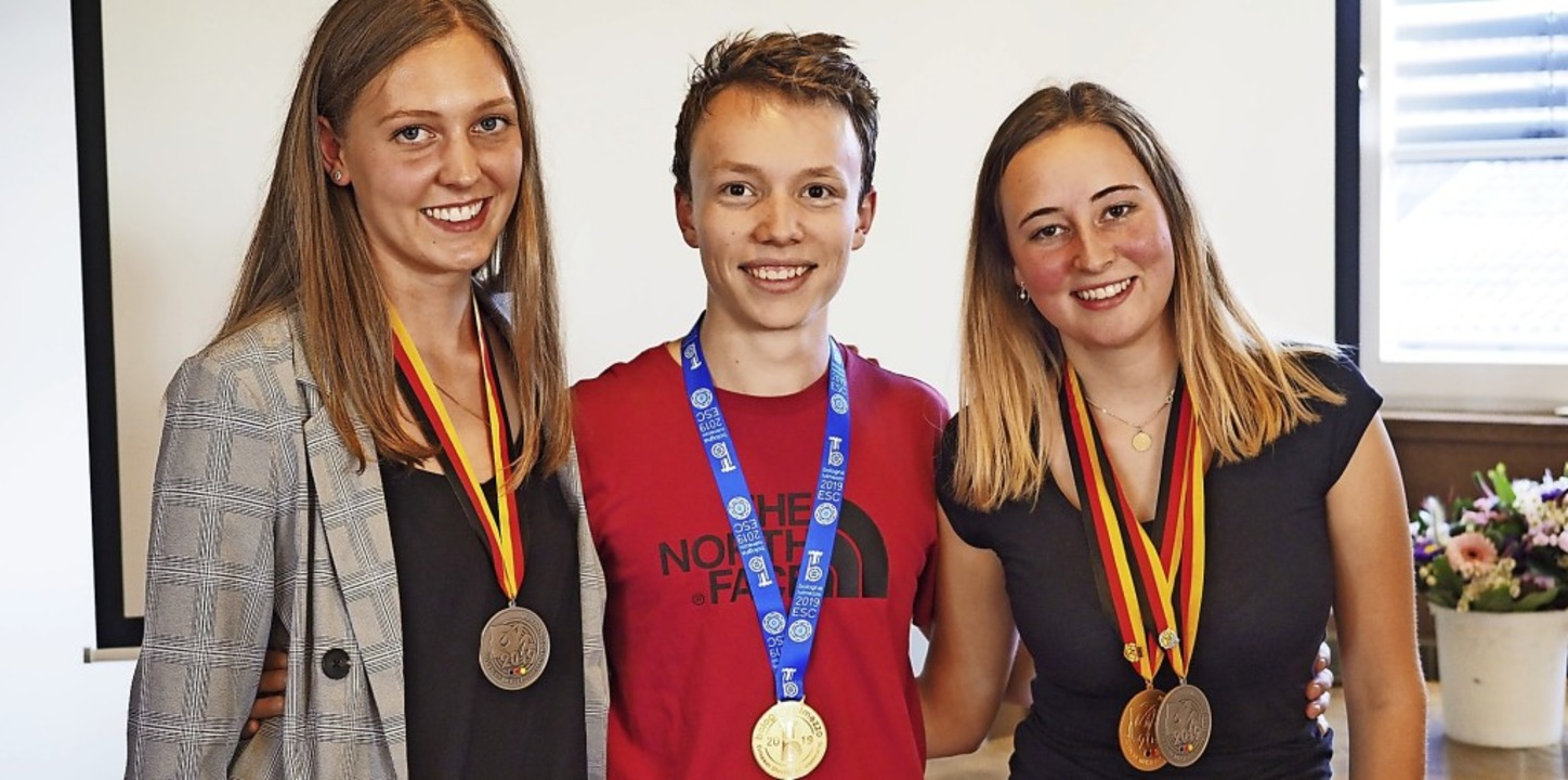 Sie konnten sich über Medaillen bei de...etry, Max Braun und  Kim Schladebach.   | Foto: Jutta Geiger