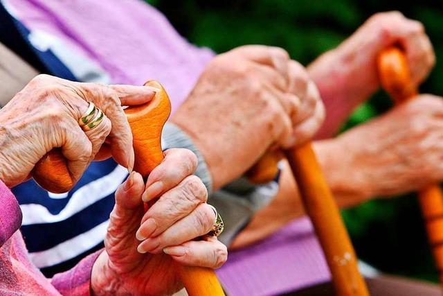 Wie der Seniorenrat Freiburger Senorinnen und Senioren helfen will