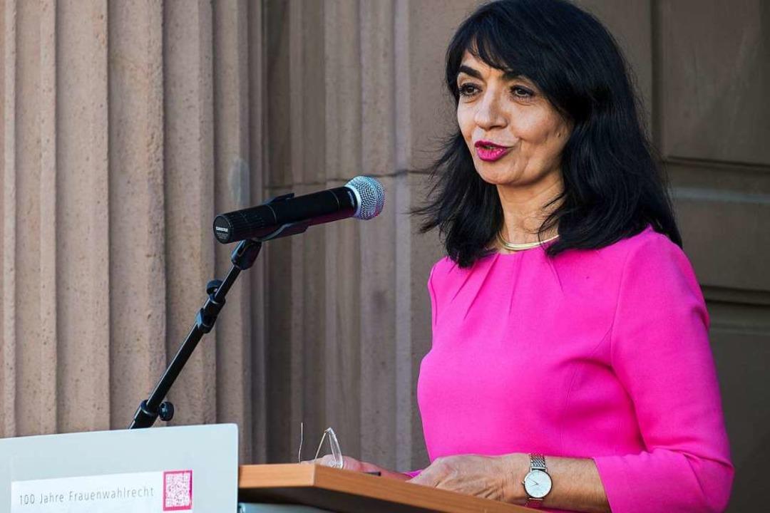 Landtagspräsidentin Muhterem Aras während ihrer Rede vor dem Alten Rathaus  | Foto: Ansgar Taschinski