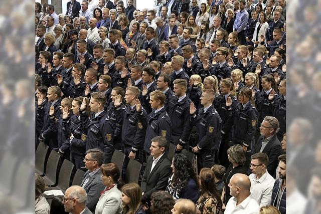 Land investiert viel Geld in die Polizei