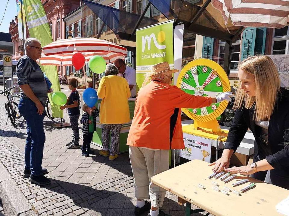 Beim Mobilitätstag vor dem Rathaus wird gespielt.  | Foto: Nele Augenstein