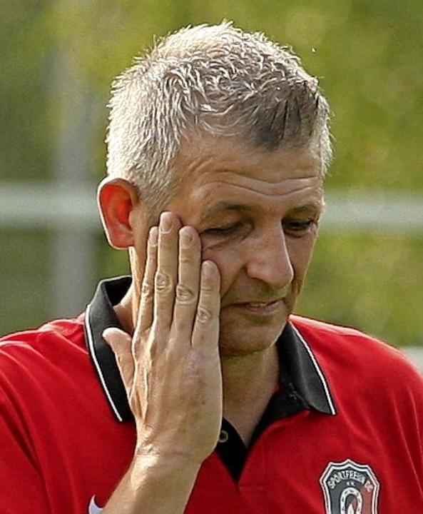 Sorgenfalten: Ichenheims Trainer Christian Thau.   | Foto: Alexandra Buss