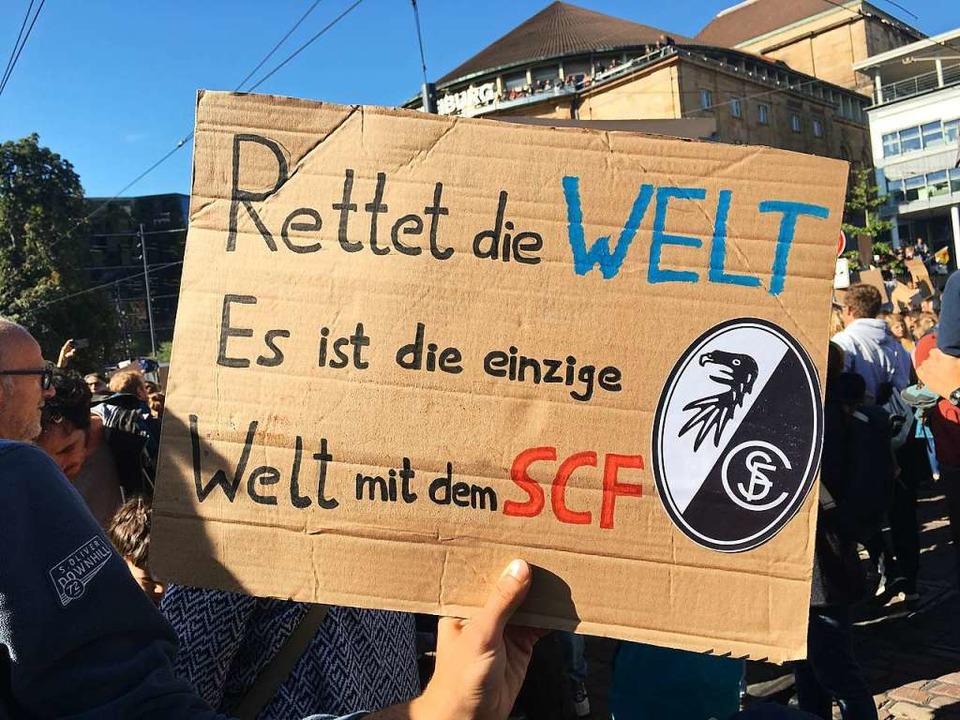 Freiburgspezifischer Demo-Grund  | Foto: Simone Lutz