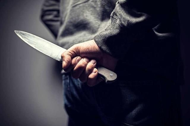 Verkäuferin in Bleibacher Lebensmittelmarkt mit Messer bedroht
