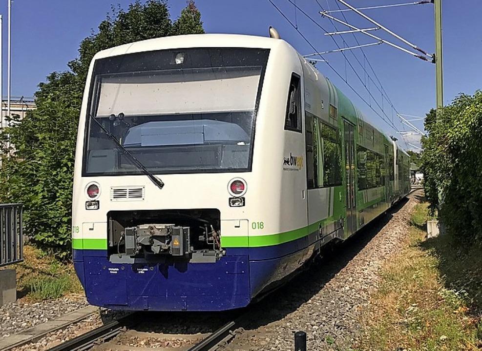 Die Münstertalbahn ist Anfang Oktober nachts für Testfahrten unterwegs.   | Foto: Hans-Peter Müller