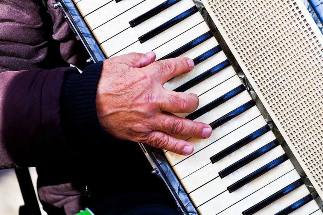 In Freiburg sind laute Instrumente wie...eln, Trompeten und Tonverstärker tabu.  | Foto: Carlotta Huber