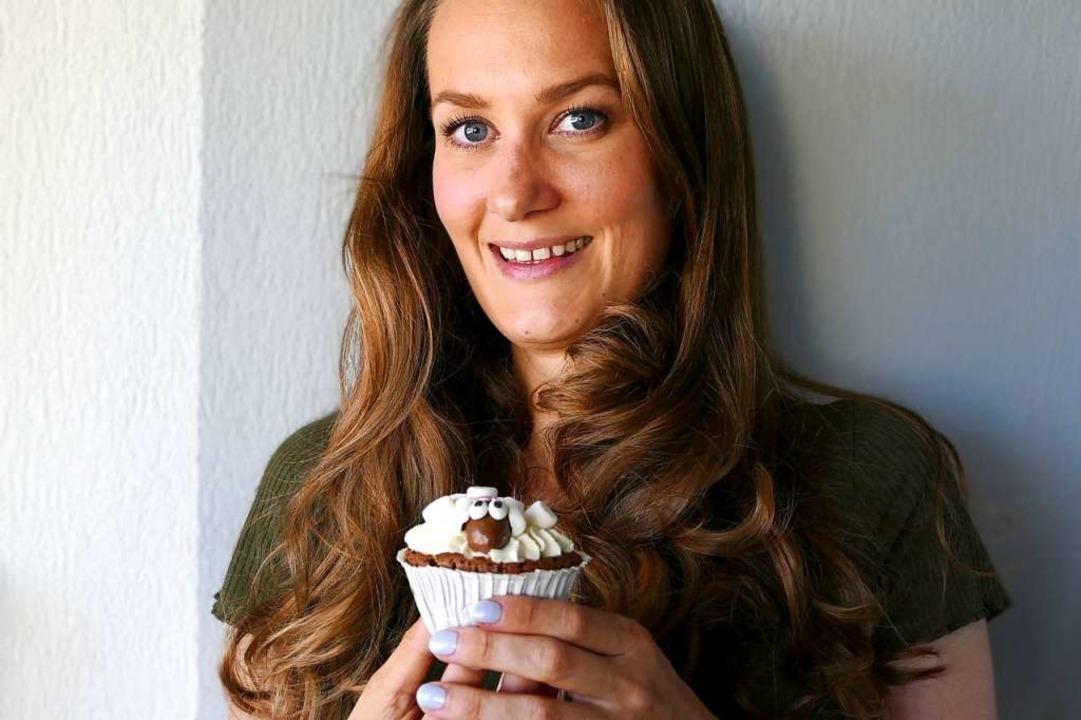 Angelina Antal backt und bloggt unter dem Namen Zimtblume.  | Foto: Theresa Steudel