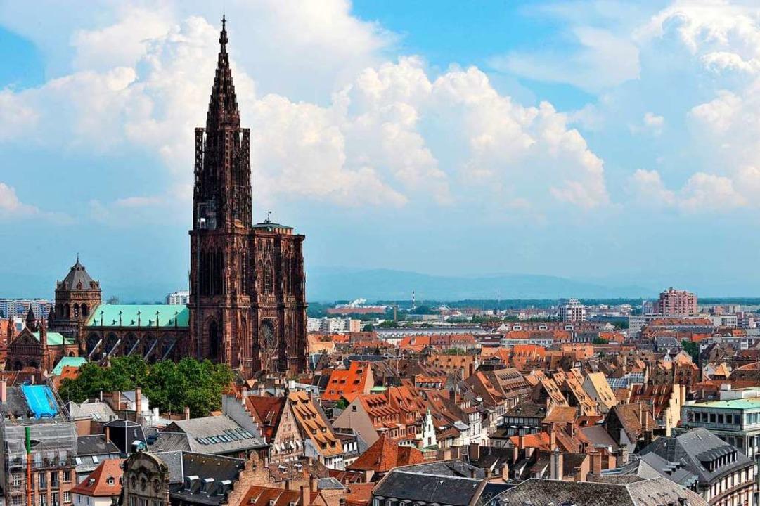 Das Straßburger Münster kennen die mei...ses Buch liefert dagegen Insidertipps.  | Foto: FREDERICK FLORIN