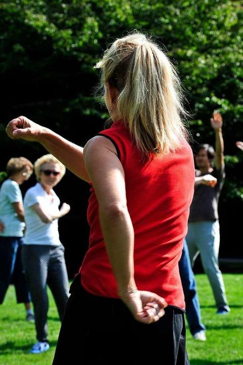 Tai Chi hält fit. Ob ältere Menschen d...e Uniklinik herausfinden (Symbolfoto).  | Foto: Thomas Kunz