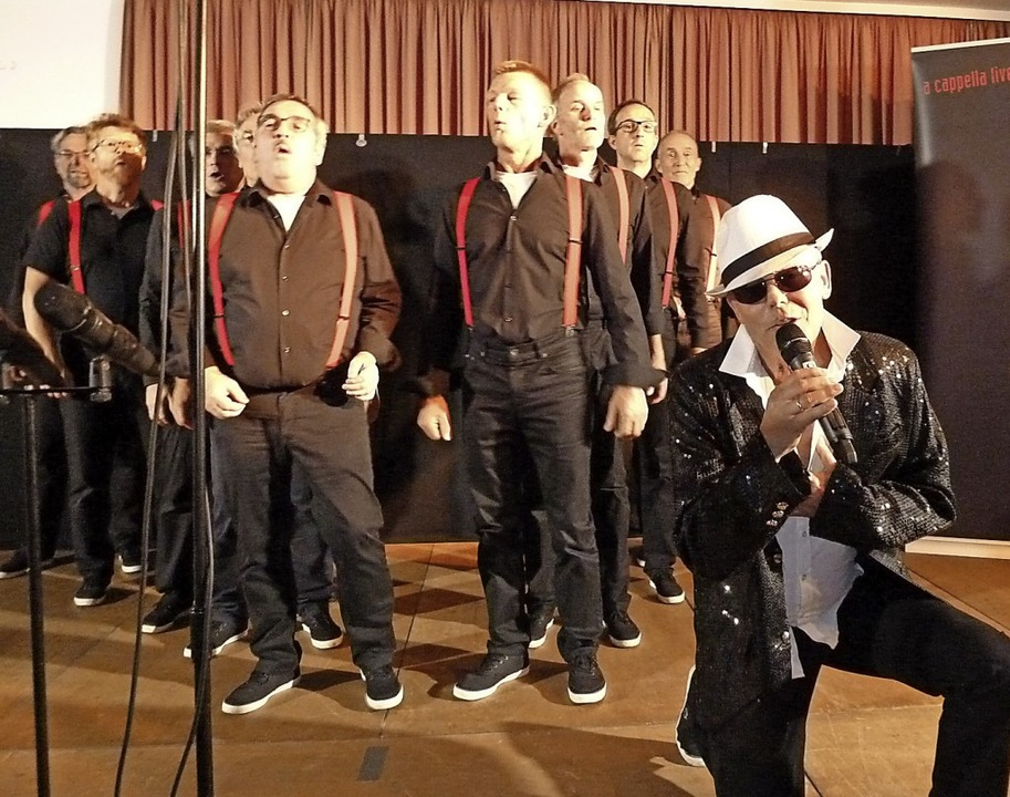 Mitreißende Bühnenpräsenz boten die Oh...ried bei ihrem Auftritt in Löffingen.     Foto: Heidrun Simoneit