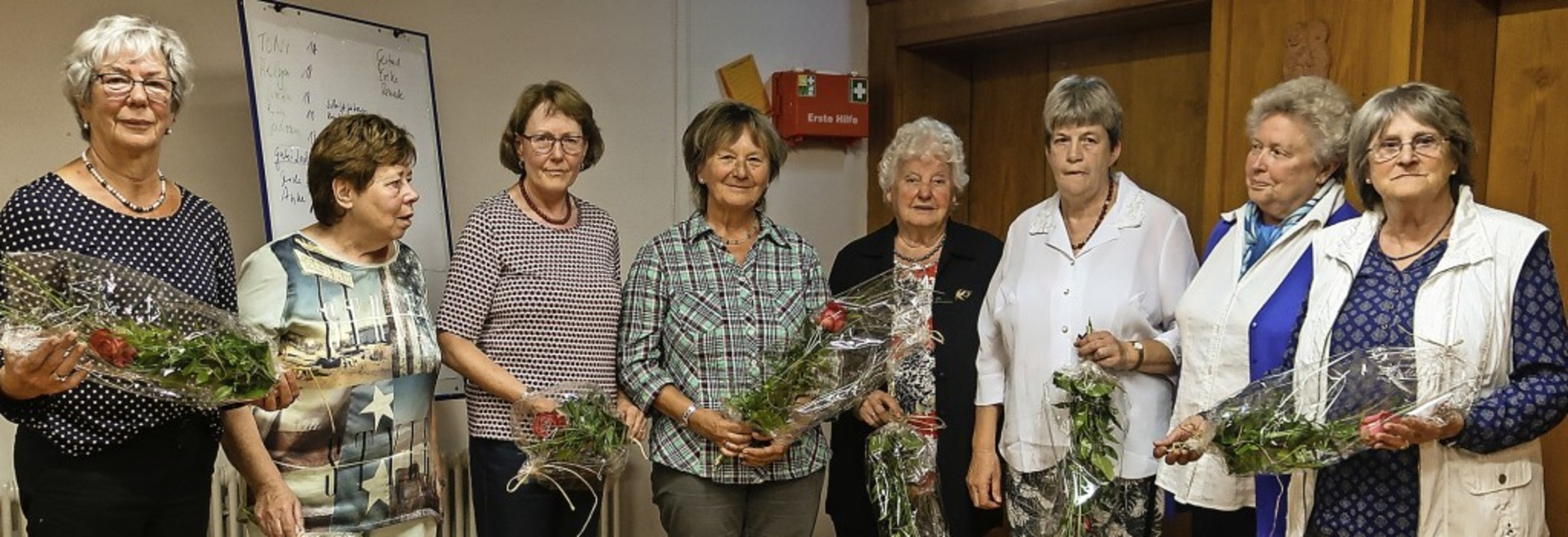 Der Frauenkreis der katholischen Gemei...trud Neckermann (Zweite von rechts).    | Foto: Gudrun Eisele