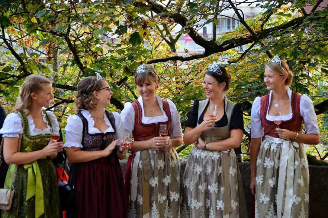 In den Offenburger Innenstadt findet b...dene Weine warten auf ihre Verkostung.    Foto: hrö