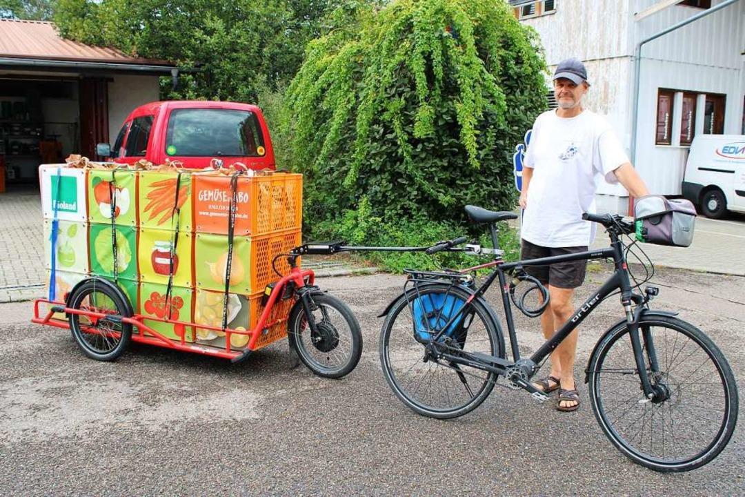 Bereit für die Auslieferung: Zehn Fahr... Fahrer bringen die Waren an ihr Ziel.  | Foto: Annika Sindlinger