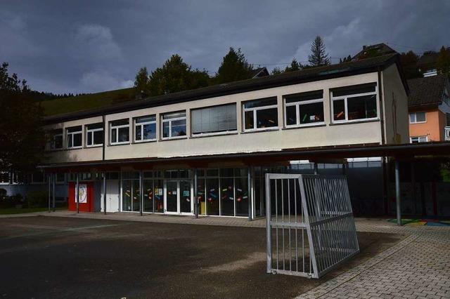 Marode Fenster der Grundschule Eschbach werden in den Herbstferien ausgetauscht