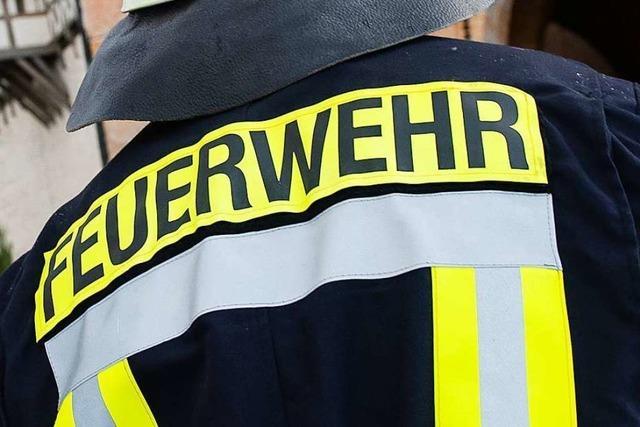 Einsatz der Neuenburger Feuerwehr bei Rheinmetall in Neuenburg