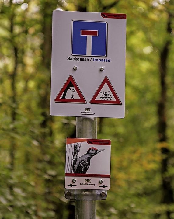 Die neuen Schilder sollen Besuchern Orientierung bieten.  | Foto: Sandra Decoux-Kone